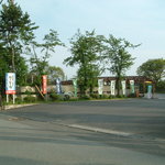 わさびの郷 - 道路川から駐車場への入口