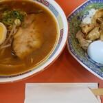 中華飯店 - 料理写真:Gラーメン・豚丼定食。ラーメンはピリ辛味噌。\680は安い。