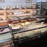 松山マイセン - パンの種類が豊富