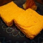銀蕎麦國定 - 卵焼き(¥700)。 これは、美味しかった~ !!ぷるんぷるんで出汁がたっぷり、お箸で持ち上げた瞬間、揺れるぐらい 。
