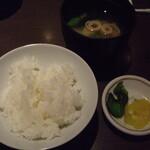 翔山 - 料理写真:ご飯、味噌汁、香の物