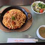 石鎚山サービスエリア(上り線)フードコート - 料理写真:てっぱんナポリタン 870円