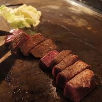 鉄八はっかい - 極上のお肉をぶ厚い鉄板で!