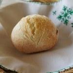 ラ・ターブル - 【パン】今回は、Linnaさんのプレーンのプチパン