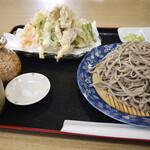 ようてい庵 - 料理写真:大もりそばと野菜の天ぷら盛り合わせ