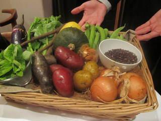 レストラン ビオス - 今日のコースに使う新鮮な野菜たち