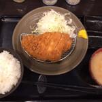 とんかつ瓢 - 上ロースかつ定食(1,600円)
