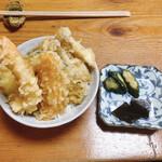 まえの - 料理写真:海老丼 天種は海老、人参、南瓜、ズッキーニ、茄子、シメジ