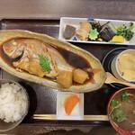 食彩 あさ乃 - 煮魚御膳(鯛にしたので¥1400)