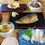 海席料理処 小舟渡 - 焼魚定食 2000円