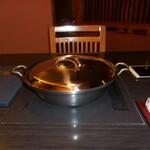 153301542 - しゃぶしゃぶ鍋です。