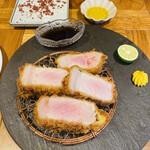Tonkatsuyoushokunomiseitiban - 神戸プレミアムポーク厚切りロースカツ200g