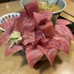 すみれ - 本日のマグロ丼アップ