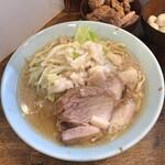 麺屋鳳 - 料理写真:大盛(ヤサイ:少なめ アブラ:増し)