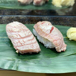 153322298 - ・本鮪セット 430円/税込                       (頭肉、ほほ肉)