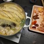 活地鶏専門 かしわの川中 - 料理写真:厚揚げはレシピに従ってスーパーで買うてきた