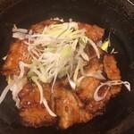 麹蔵 - 黒豚炭火焼丼