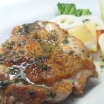 ジロー - 大分県産豊後鶏の塩焼(自家製ブレンドハーブ塩が決め手)