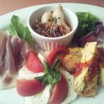 ジロー - 定番コース料理の前菜は5種~今回は盛り合わせで^^