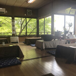 蕎遊庵 - 店内、お座敷席からの眺め。