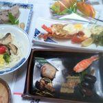 冨士廼家旅館 - 料理全景