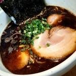 豚骨らーめん いちご家 - 黒豚骨らーめん(細麺) ¥750