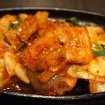 パンガパンガ - サムギョップサルの鉄板炒め