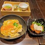 鶏料理 鉄板焼 かしわ - 高原比内地鶏と鶏だし味噌汁、3種惣菜BOXセットとあっぱれ卵の親子丼