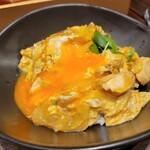 鶏料理 鉄板焼 かしわ - 高原比内地鶏とあっぱれ卵の親子丼