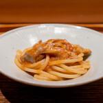 肉割烹 上 - パスタ ギアラとシマチョウ 海老と浅利のソース