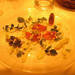 1534601 - 前菜 本マス わさびのソースに 色々な山菜