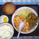 大興飯店 - 盛り合わせ定食 J 青椒肉絲+麻婆豆腐