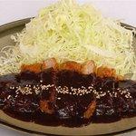 瓦屋 - 料理写真:味噌ロースかつ定食980円 八丁味噌とすり胡麻の自家製たれ