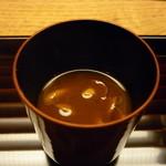 お料理 宮本 - ☆すごく大きななめこの赤出汁でホッと和めます☆