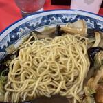 空港ラーメン 天鳳 - この麺も餡とよく合います