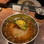 焼肉萬野 - さっぱり冷麺も美味です( ゚∀゚)o彡