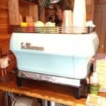 アイドントノウコーヒー ロースター - エスプレッソマシン