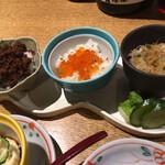 亀甲屋 - 3種のご飯が頂ける嬉しい〆ご飯。