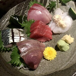 魚釜 - お刺身盛り合わせ