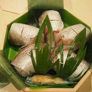 和歌山 水了軒 - 料理写真:小鯛 雀寿し(特上)