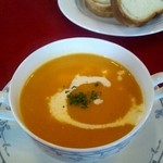 貘 - ランチAコースのスープ カボチャのポタージュ