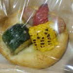 153529025 - 夏野菜とソーセージのフォカッチャ(540円)