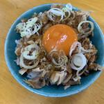 青竹手打ちラーメン 麺や 大山 - チャーシュー丼黄身のせ  360円
