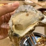 牡蠣と和牛の奴隷 - 生牡蠣