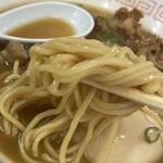 末広 - 中華そば 肉入り(麺リフト)