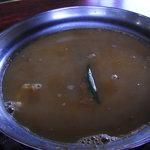 繁ちゃん屋 - 食べ終わったスープに豚骨スープを入れて...