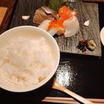 小割烹おはし  - ご飯と刺身