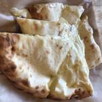 ダルバル - チーズナン