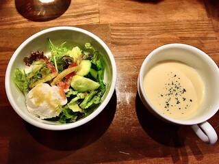キッチン櫻庭 - 前菜のサラダとコーンスープ