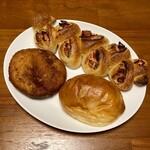 ブーランジェ オクダ - 料理写真:クリームパン・カレーパン・ベーコンエピ